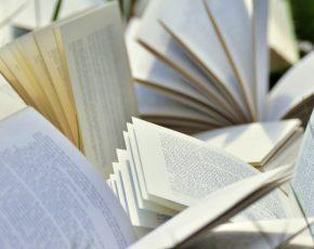 10 Reading Challenges - Fairlight Books